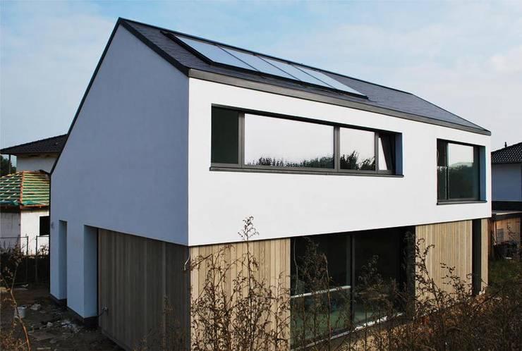 Aussenansicht:  Einfamilienhaus von Sieckmann Walther Architekten,