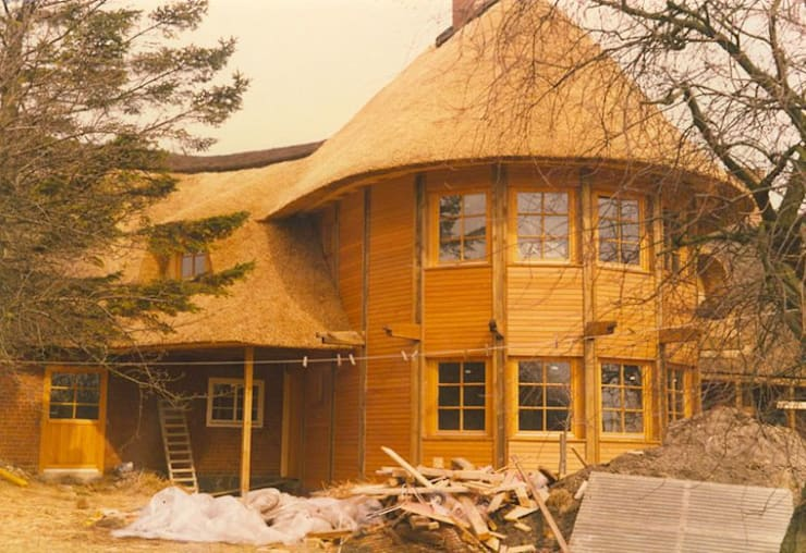 Casas de estilo  de Die Dachdecker Neumann GmbH