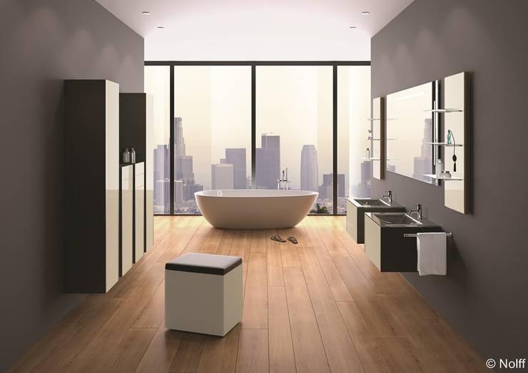 Bathroom by Die Tischlerei Hauschildt
