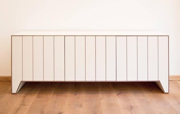 PLANK:  Wohnzimmer von Komat