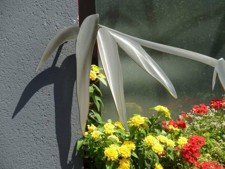 Edelstahl Geländer und Sicherheit: moderner Garten von Edelstahl Atelier Crouse - Stainless Steel Atelier
