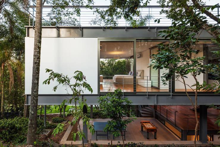 Casas  por obra arquitetos ltda