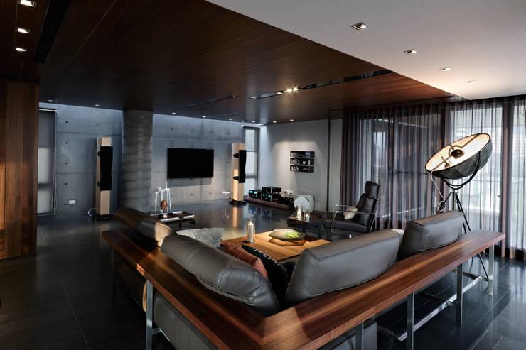 Kaohsiung City | Taiwan: moderne Wohnzimmer von LEICHT Küchen AG