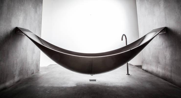 Edele Badewanne Objekte:  Badezimmer von Design by Torsten Müller
