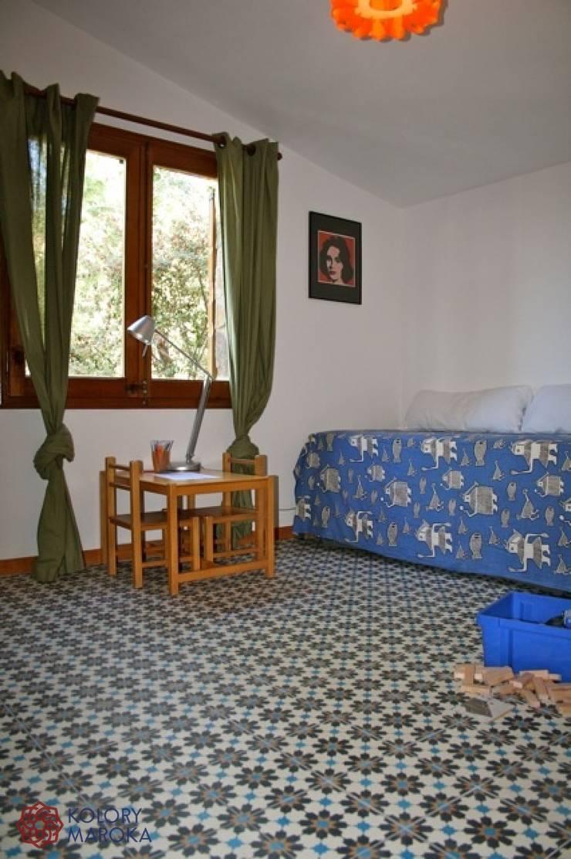 Aranżacje płytek cementowych w pokojach: styl , w kategorii Sypialnia zaprojektowany przez Kolory Maroka,Śródziemnomorski