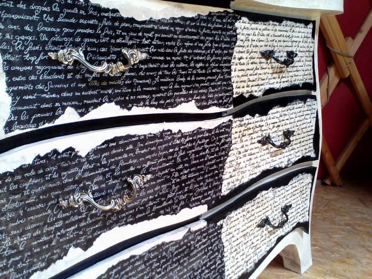 Camera da letto in stile  di L'Atelier Carton