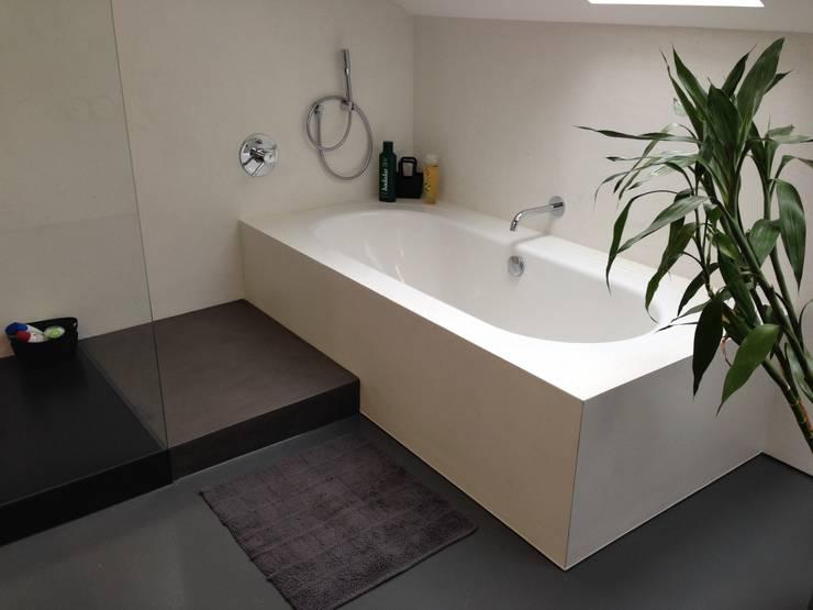 Badezimmer Privathaus: modern  von Wände mit Charakter,Modern