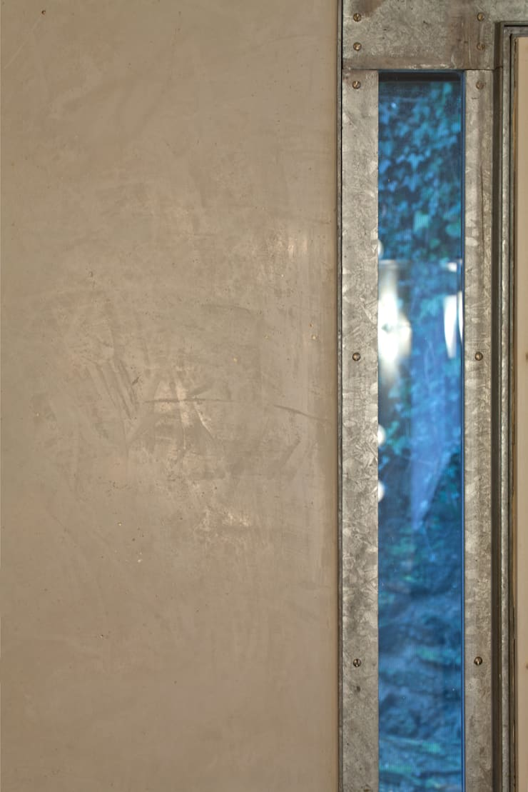 WOHN/ESSKÜCHE MIT MINERALPUTZ:  Küche von Einwandfrei - innovative Malerarbeiten oHG,