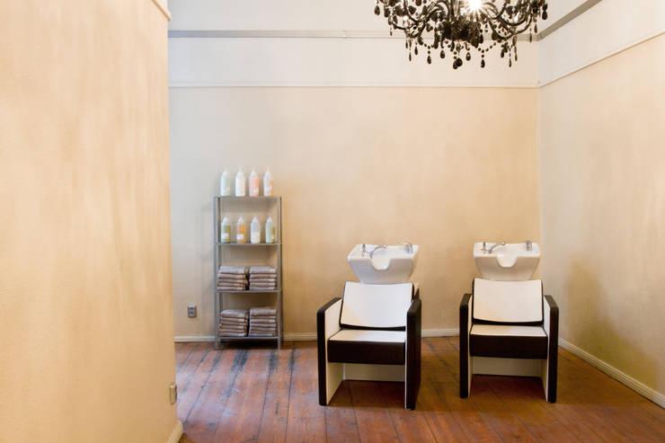 friseursalon hair sweet hair berlin von einraumkonzept homify. Black Bedroom Furniture Sets. Home Design Ideas