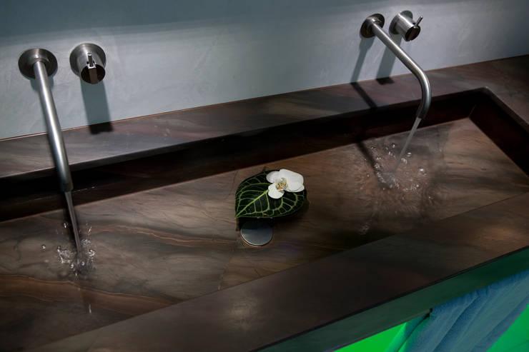 classic Bathroom by Design by Torsten Müller