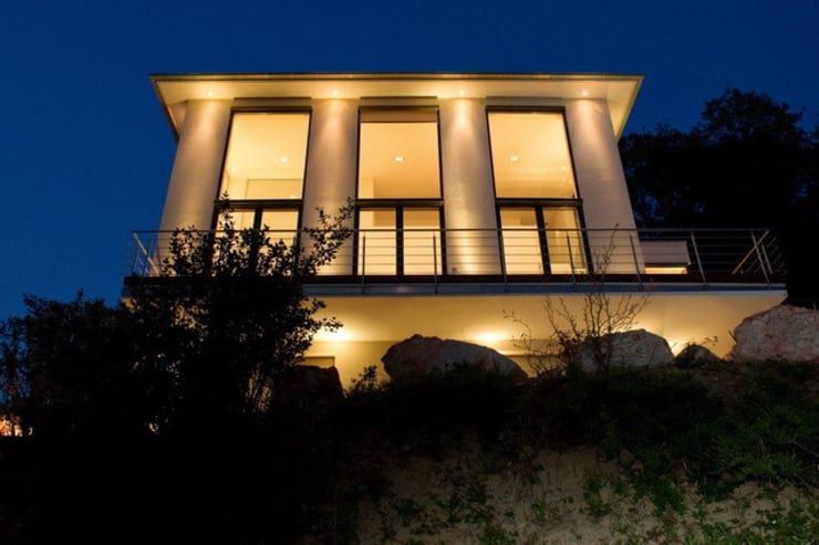 Privatvilla Rheingau:  Häuser von  ligthing & interior design,Modern