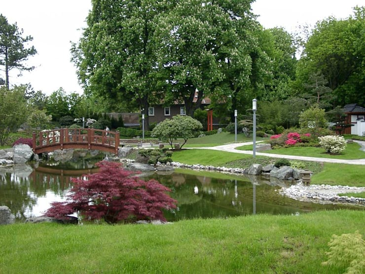 Kirchner Garten + Teich GmbH의  정원