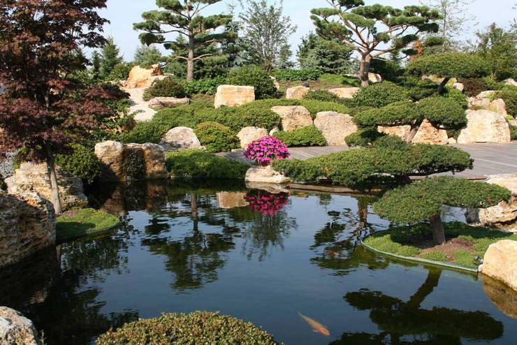 asian Garden by Kirchner Garten + Teich GmbH