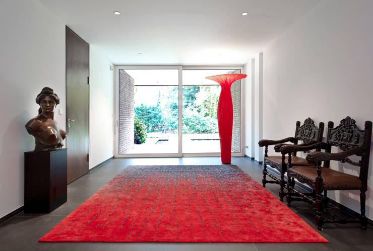 Pasillos y vestíbulos de estilo  por schulz.rooms
