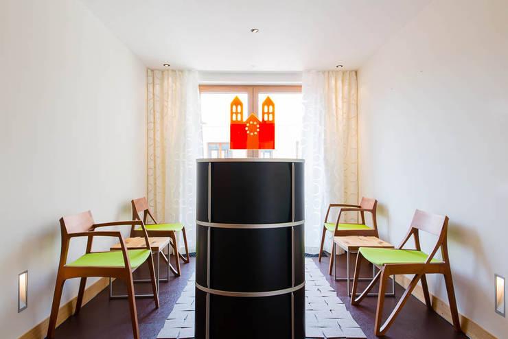 Wartezimmer:  Praxen von WEINKATH GmbH