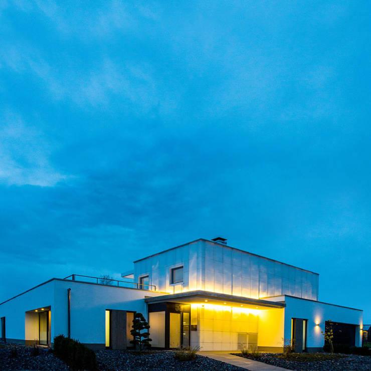 Leuchtender Diamant:  Häuser von kenchiku,Modern