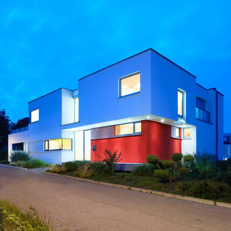 Einfamilienhaus H:  Häuser von kenchiku,Modern