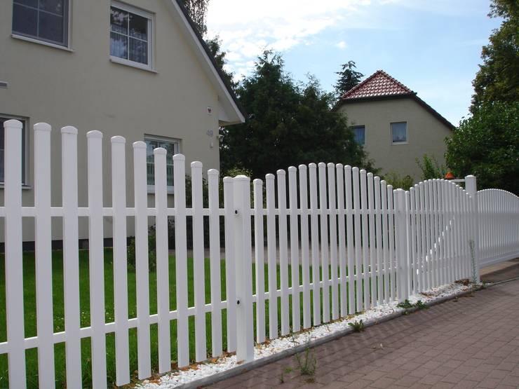 Siepi Da Giardino Finte : Staccionate muretti e siepi modi per confinare una proprietà