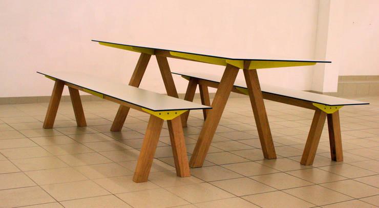 A-Fuss- Gartenensemble: modern  von Pool22.Design,Modern