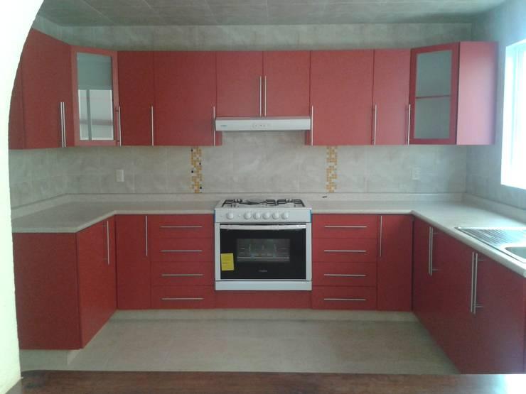Cocina ntegral: Cocina de estilo  por DD Arquitectos