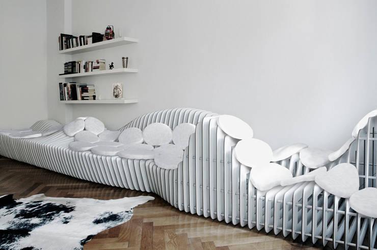 sitscape:  Wohnzimmer von Hackenbroich Architekten