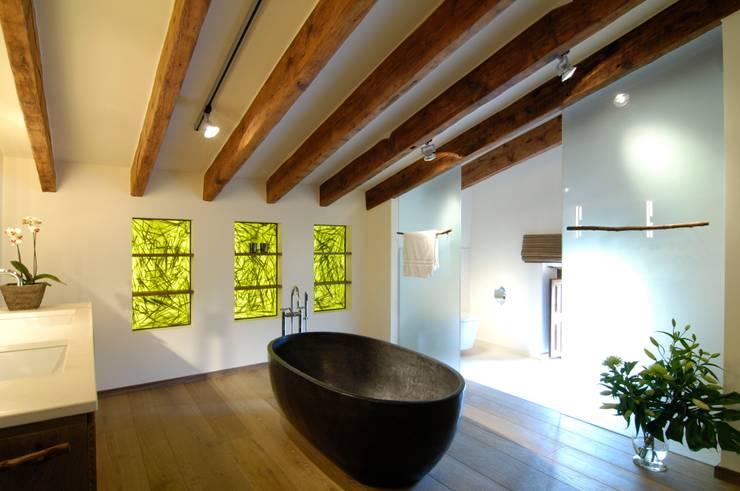 Phòng tắm by Bernhard Preis - Exklusive Lebenswelten