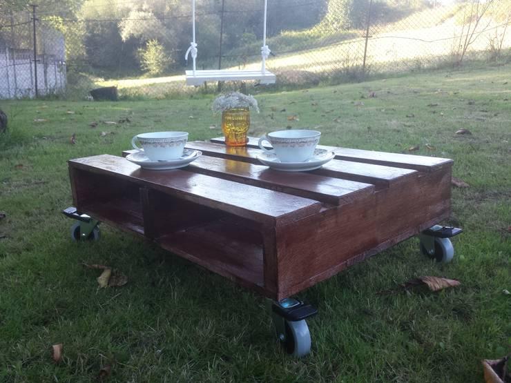 mesa ratona: Jardín de estilo  de El forajido