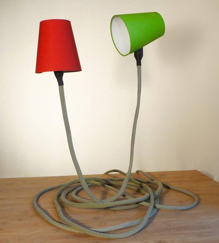 Climbing Lamp:  Wohnzimmer von Design. Nachhaltig. Gut.,