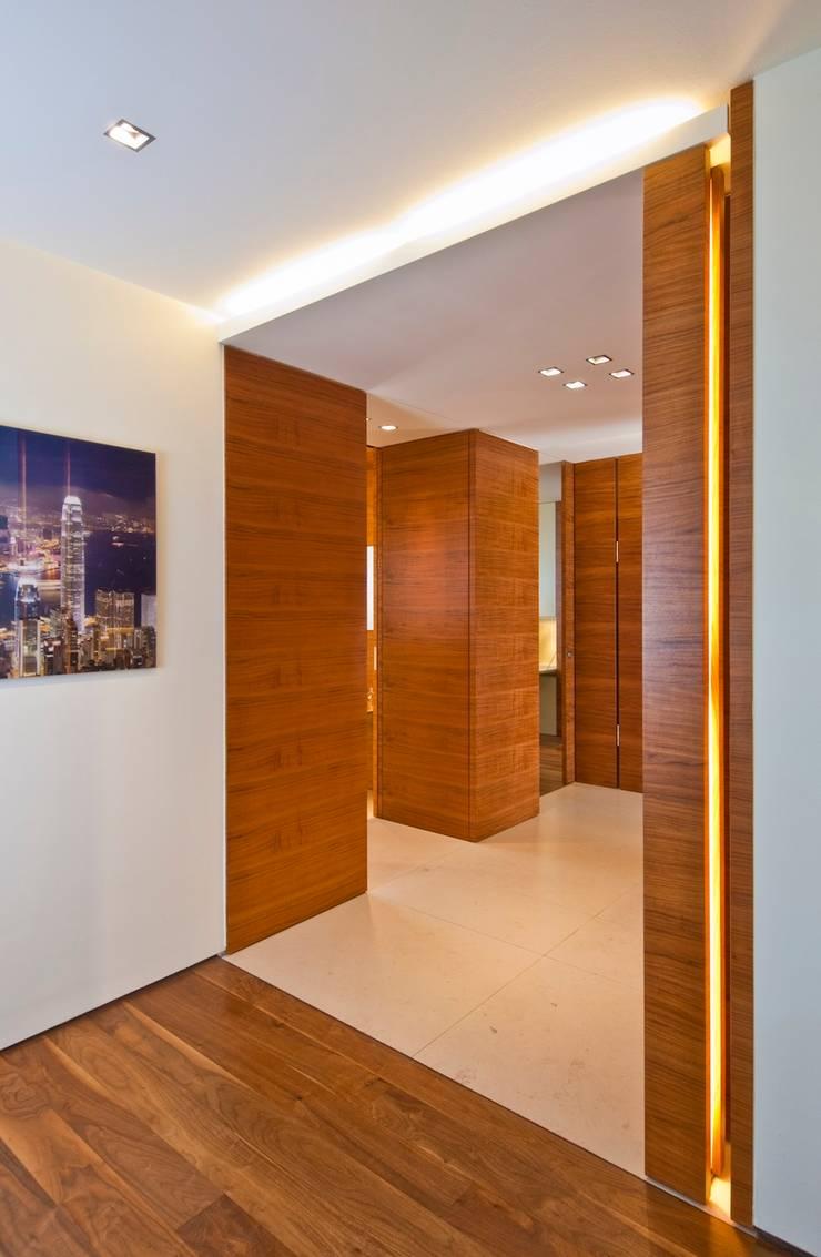 Loft:  Flur & Diele von innenarchitektur-rathke,Klassisch