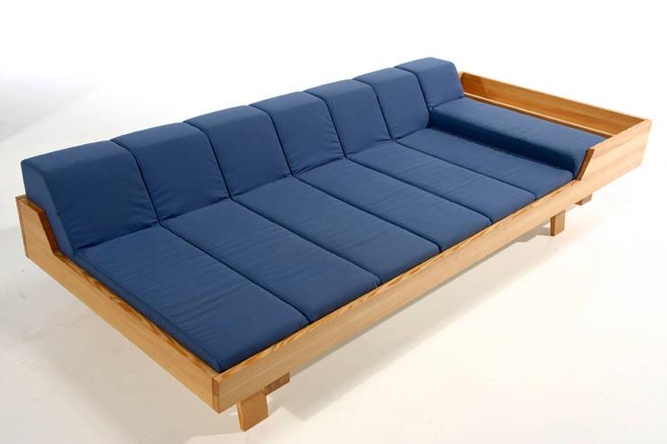 Living room by Rohstoff Design
