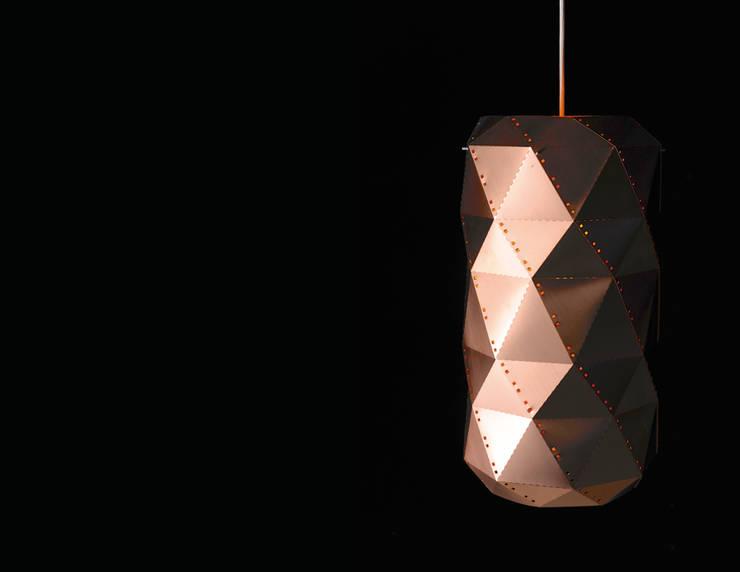 RD 09 Leuchte:  Wohnzimmer von Rohstoff Design