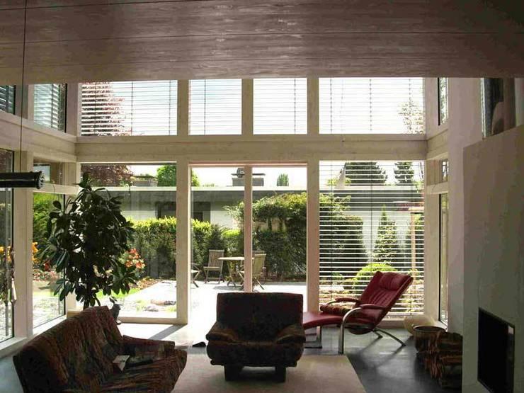 by Klaus Schmitz-Becker Architekt Eclectic