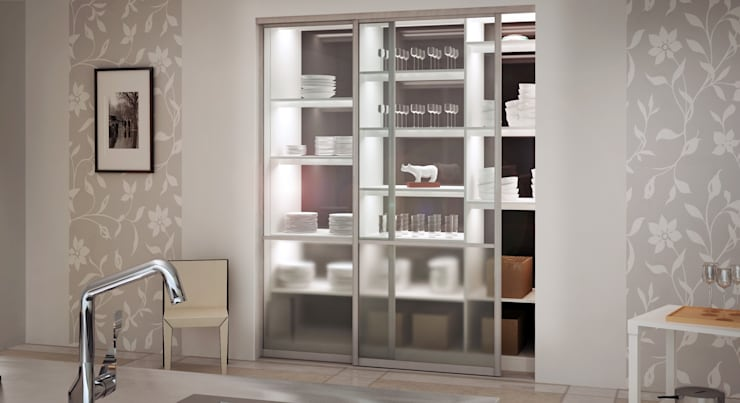 Schiebetür als Nischenlösung aus Glas:  Haushalt von deinSchrank.de GmbH