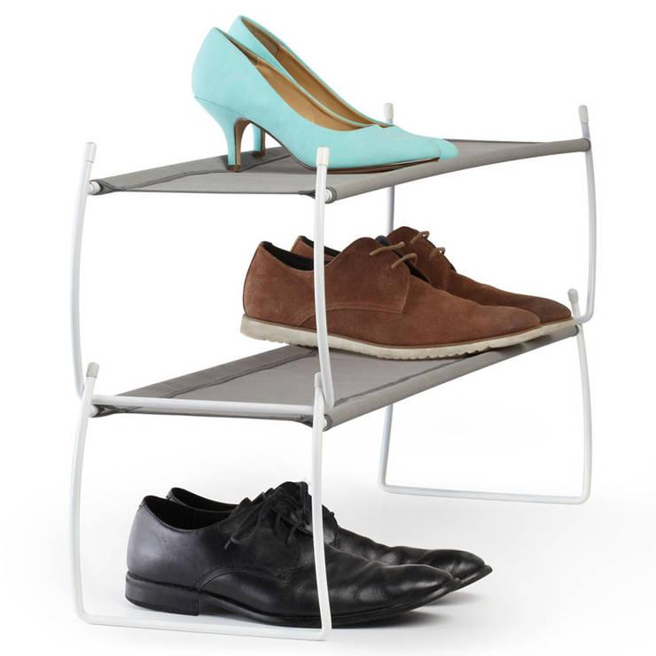 Полка для обуви Imelda серая: Прихожая, коридор и лестницы в . Автор – Enjoyme