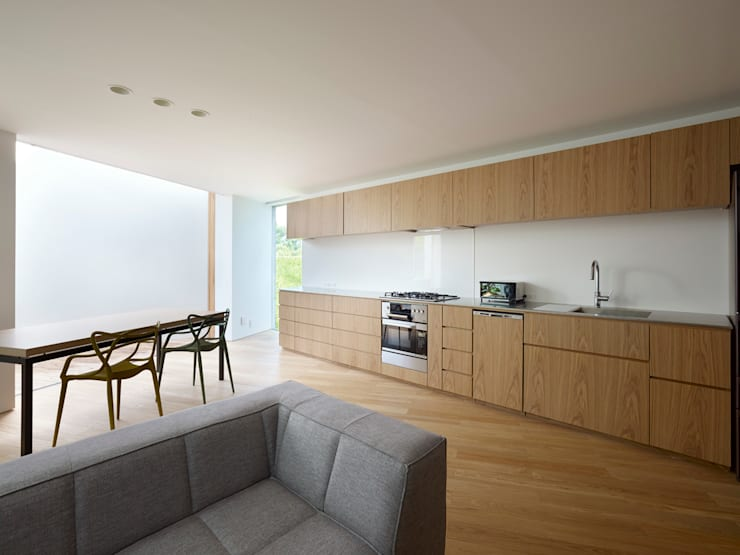 Kitchen by 小泉設計室