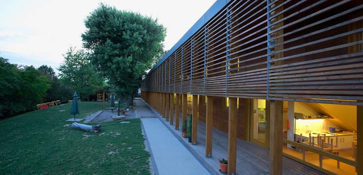 Außenanlagen:  Schulen von A-Z Architekten