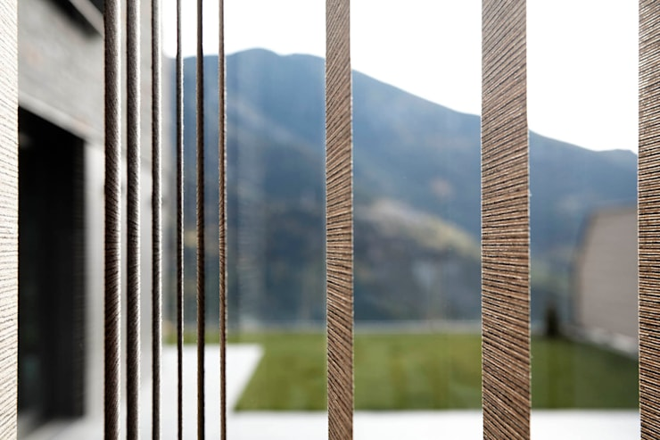 Puertas y ventanas de estilo escandinavo por Coblonal Arquitectura