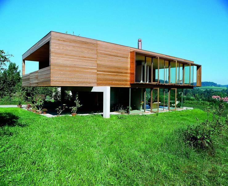 Hochbuch:  Wohnzimmer von k-m architektur