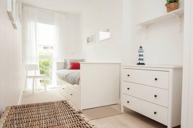 Dormitorio: Dormitorios de estilo mediterráneo de Marta Sellarès - Interiorista