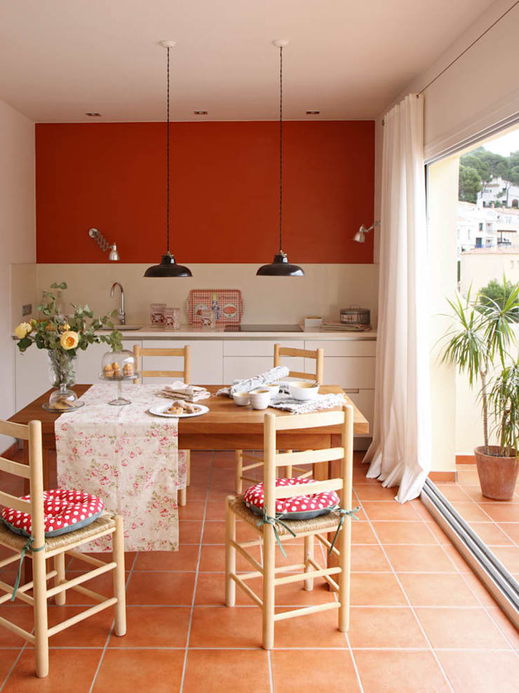 Comedor-Cocina: Cocinas integrales de estilo  de Marta Sellarès - Interiorista