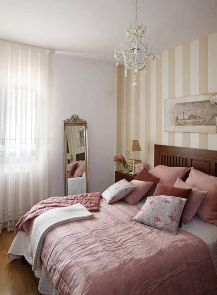 Dormitorio: Casas de estilo  de Marta Sellarès - Interiorista