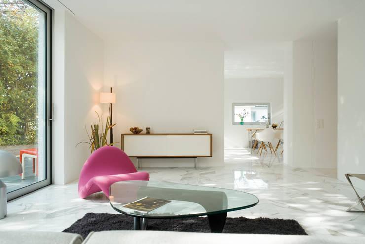 Salon de style  par PHILIPPE STUEBI ARCHITEKTEN ETH BSA SIA GMBH