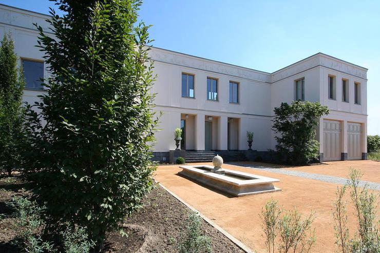 Casas de estilo clásico por CG VOGEL ARCHITEKTEN