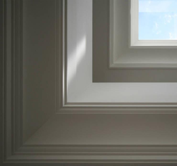 Den Himmel im Haus - Residenz mit zentralem Lichthof:  Fenster & Tür von CG VOGEL ARCHITEKTEN