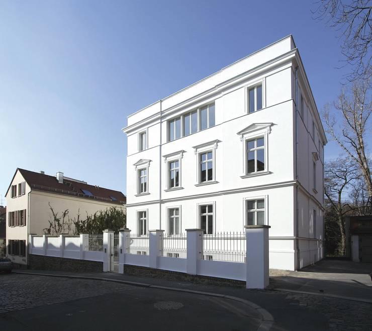 Klassisch und modern - Vom Stadtpalais zum Apartmenthaus:  Häuser von CG VOGEL ARCHITEKTEN,Klassisch