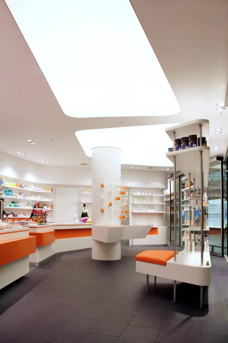 Offices & stores by Biesel - Innenausbau, Schrankwände & barrierefreies Wohnen GmbH