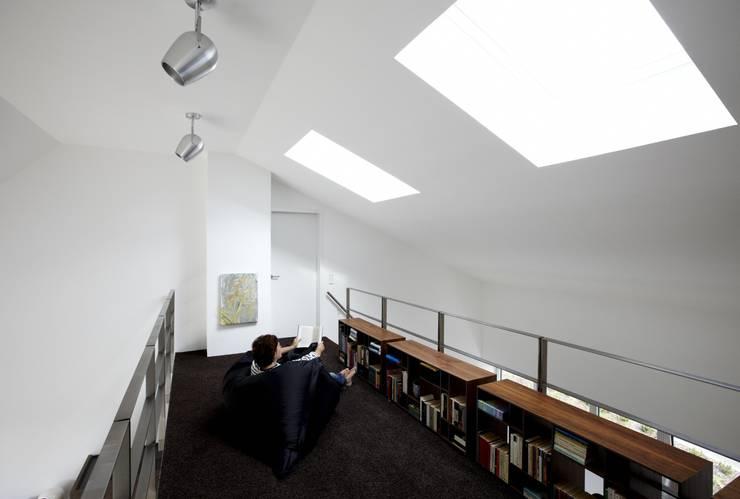 Designhous Herdecke:  Arbeitszimmer von HAACKE Innenarchitekten & Designer,Skandinavisch