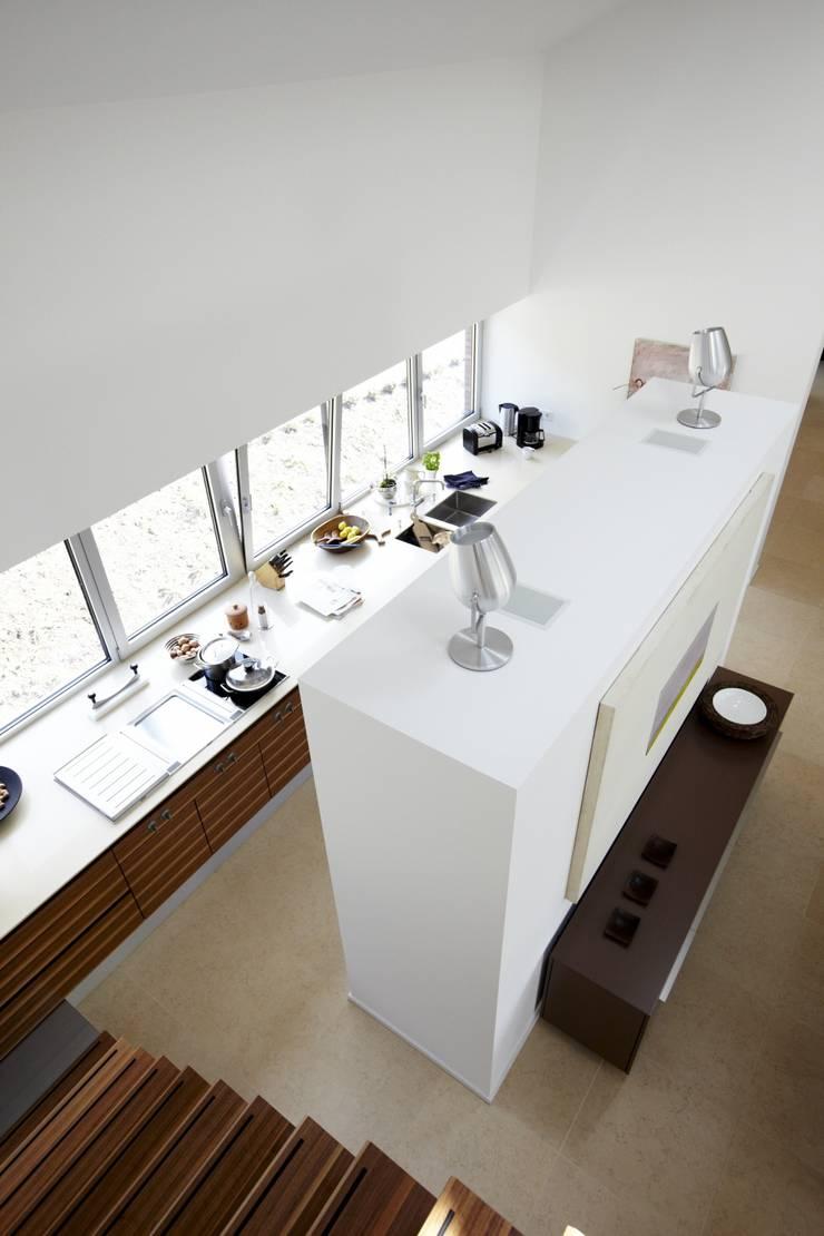 Designhous Herdecke:  Küche von HAACKE Innenarchitekten & Designer,Skandinavisch
