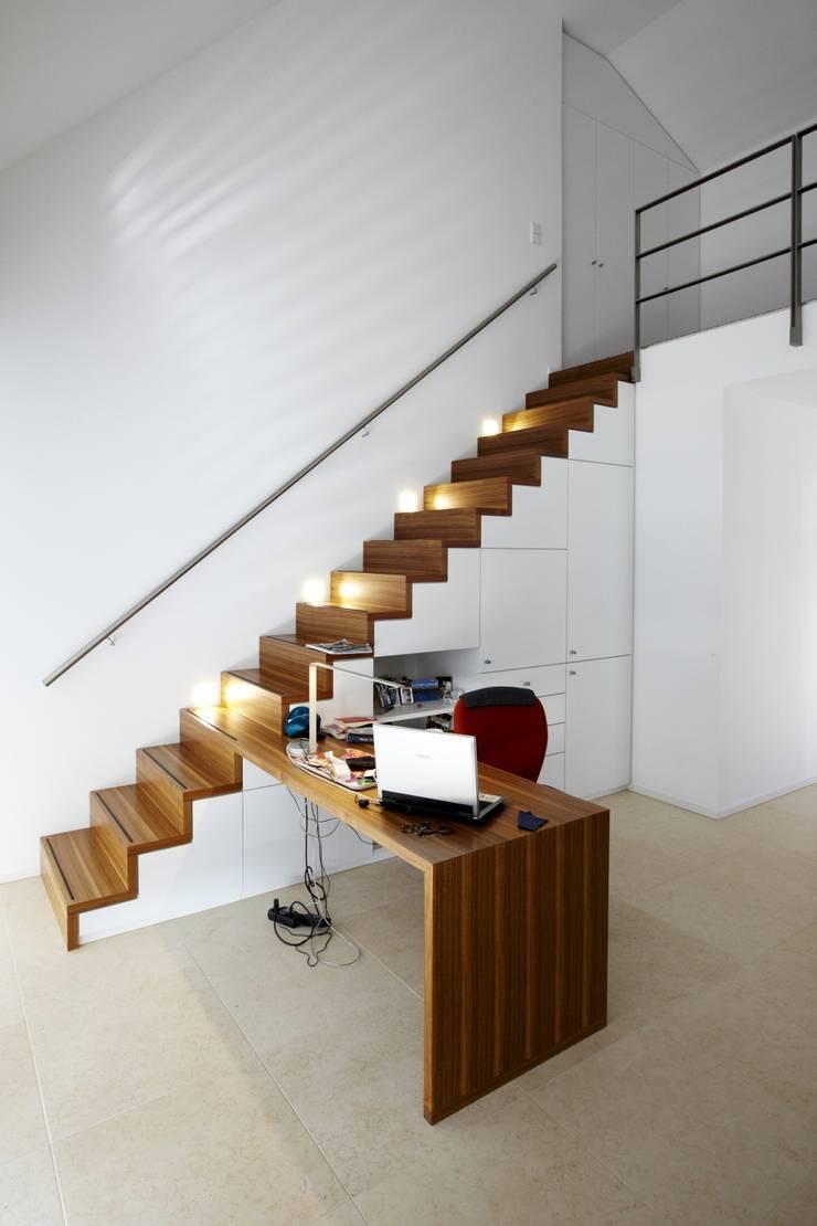 走廊 & 玄關 by HAACKE Innenarchitekten & Designer