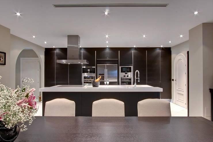 Cocina Cocinas de estilo ecléctico de Ambience Home Design S.L. Ecléctico